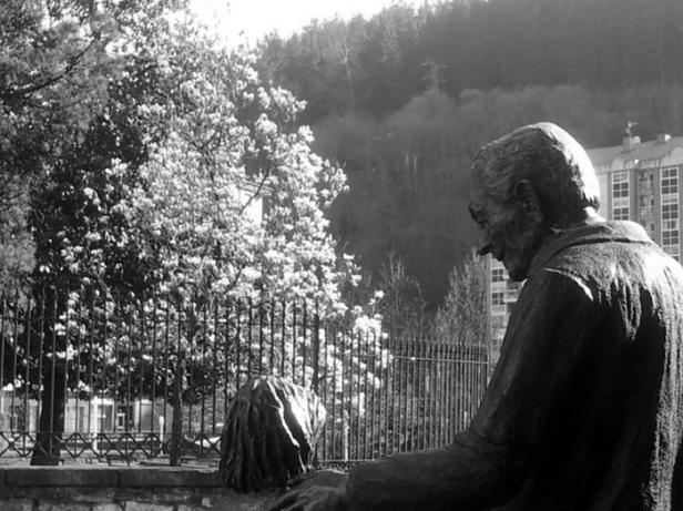 ermua-don-teodoro-estatua